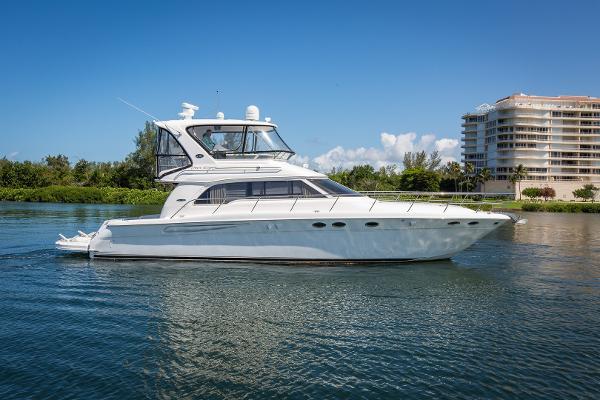 Sea Ray 480 Sedan Bridge Starboard Profile