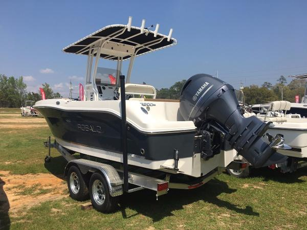 Robalo 200 ES Center Console 2017-robalo-200es-center-console-boat-for-sale