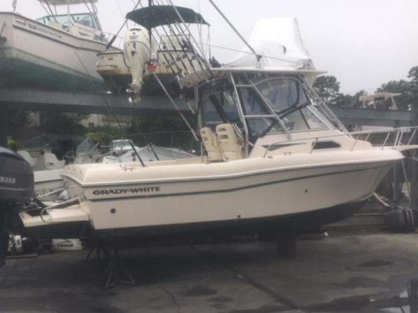 Grady-White 232 Gulfstream (Low Hours! Four Stroke!)