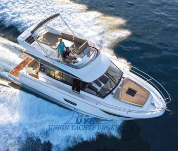Jeanneau Velasco 43F catalogue image