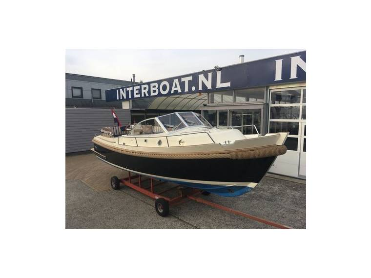 Interboat Interboat Intercruiser 27 cabin