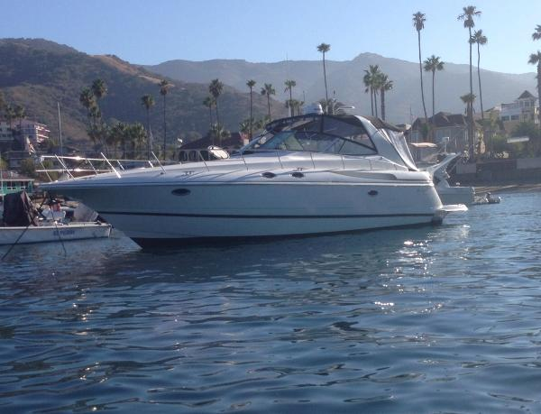 Cruisers Yachts 3870 Esprit