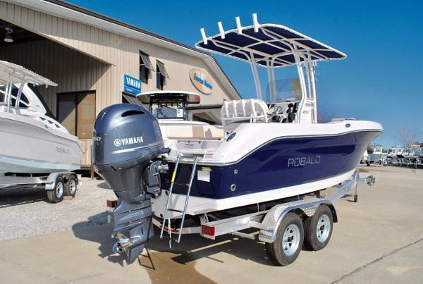 Robalo 200 Center Console 2017-Robalo-200-Center-Console-Fishing-Boat-For-Sale