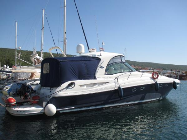 Sea Ray 525