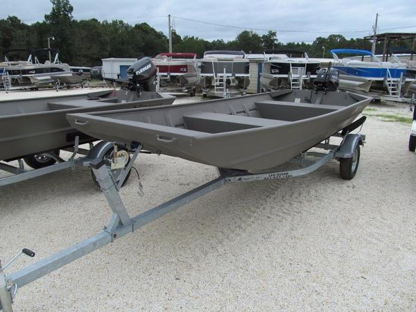 Xpress Boats XDeck Boat Series 1652 HI