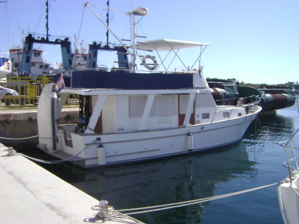 Marine Trader 36 Trawler Photo 1