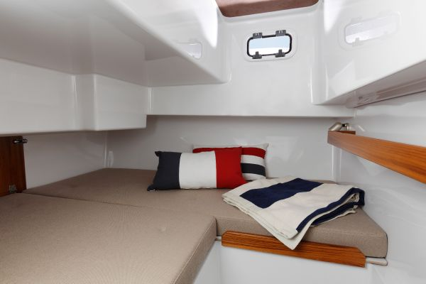 Minor Offshore 28 aft cabin