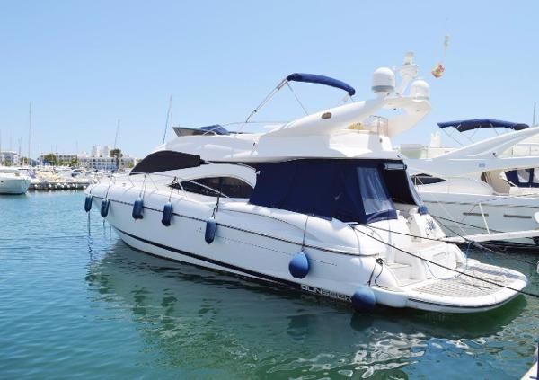 Sunseeker Manhattan 56 Port view