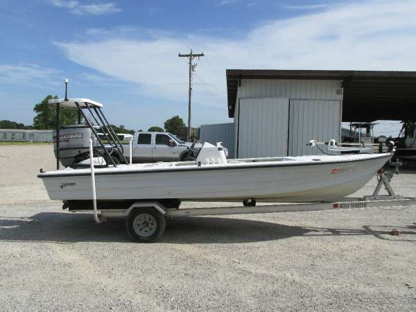 Hewes Redfisher 18'