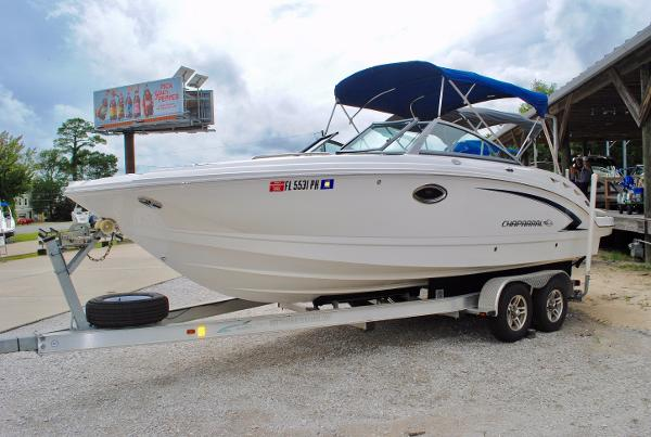 Chaparral 244 Sunesta 2012-CHAPARRAL-244-SUNESTA-BOWRIDER-RUNABOUT-USED-BOAT-FOR-SALE
