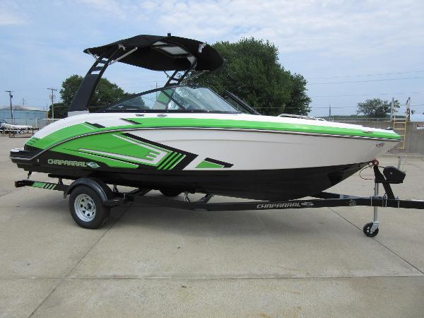 Chaparral 203 Vortex VRX PROFILE, TRAILER INCLUDED