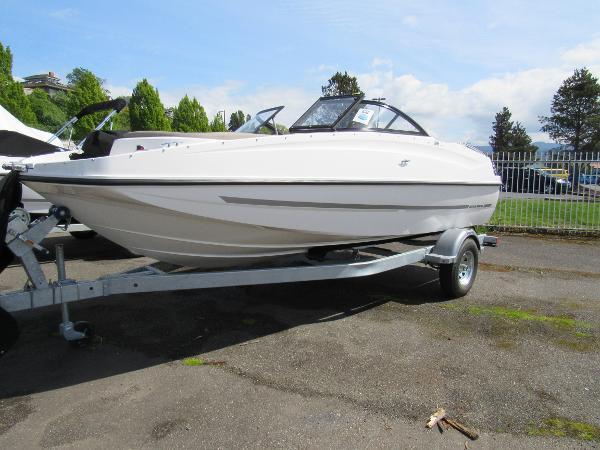 Bayliner 195 Deck Boat