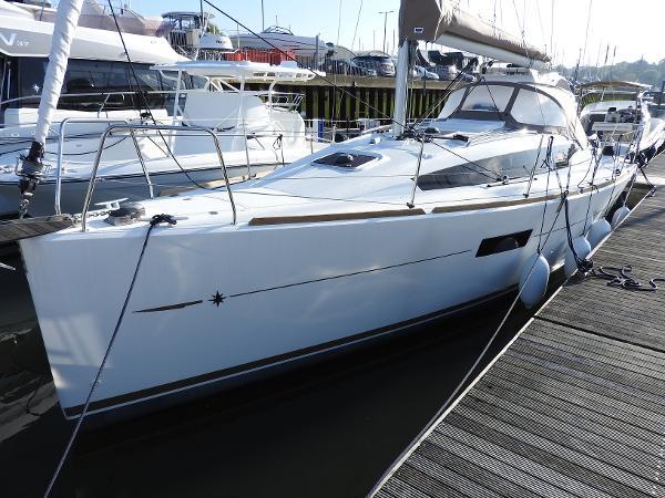 Jeanneau Sun Odyssey 319 Jeanneau Sun Odyssey 319 - Stock Boat