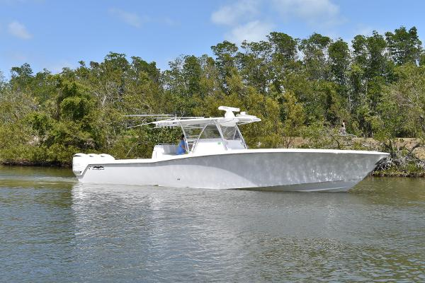 Invincible 42 Open Fisherman