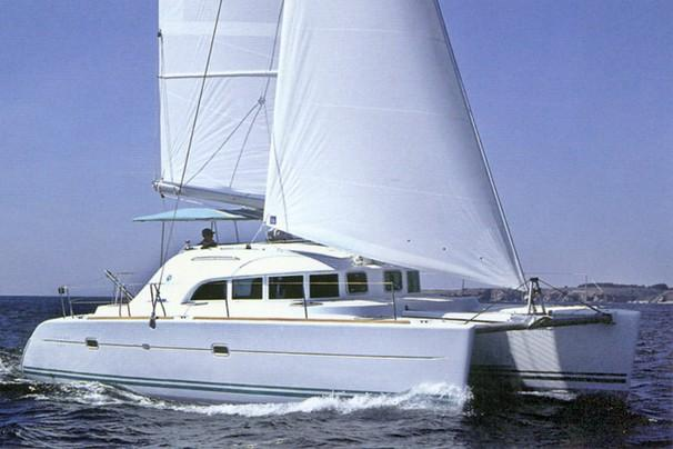 Lagoon 380 Manufacturer Provided Image