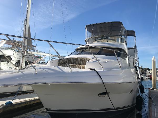 Silverton 453 Pilothouse Motor Yacht