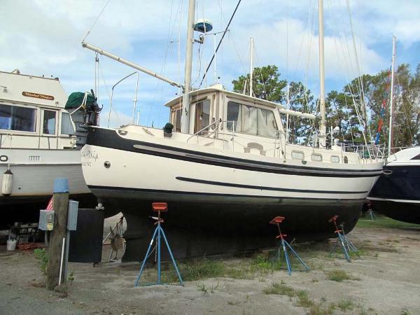 Banjer 37 Motorsailer Starboard