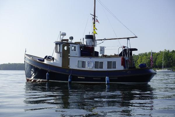 Lord Nelson 37 Victory Tug