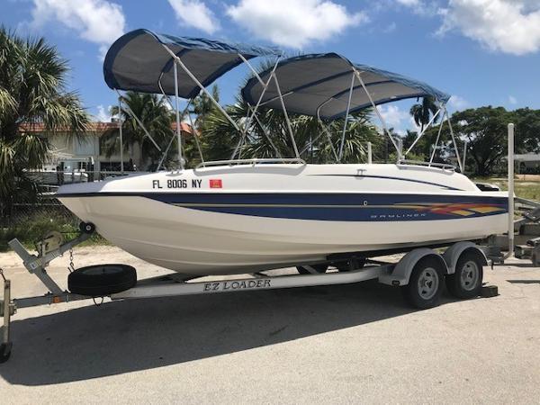 Bayliner 217 Outboard