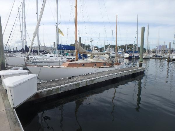 de Dood International 600 Barefoot Dockside port view