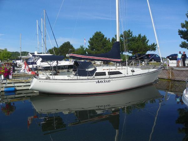 C&C 37 dockside