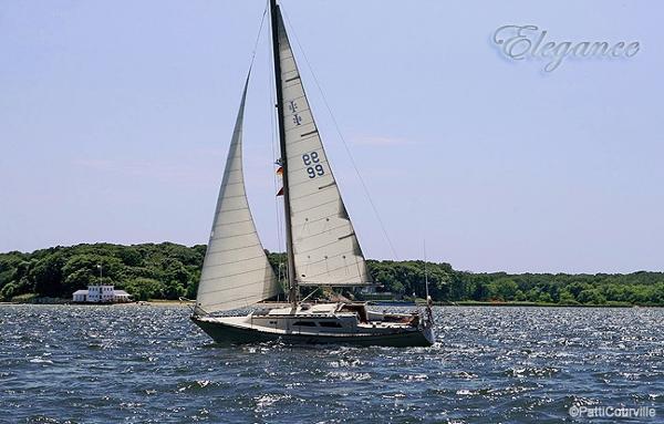 Islander Yachts 28