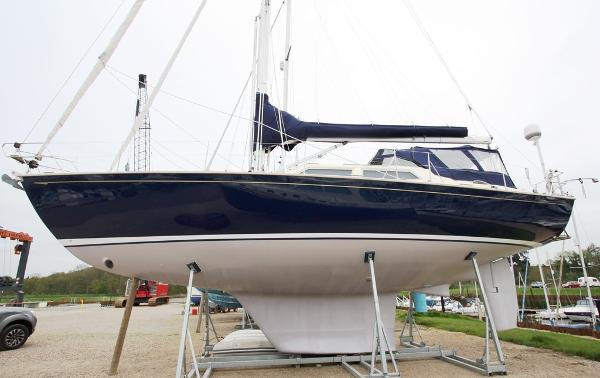 Rustler 44 DS Port Side