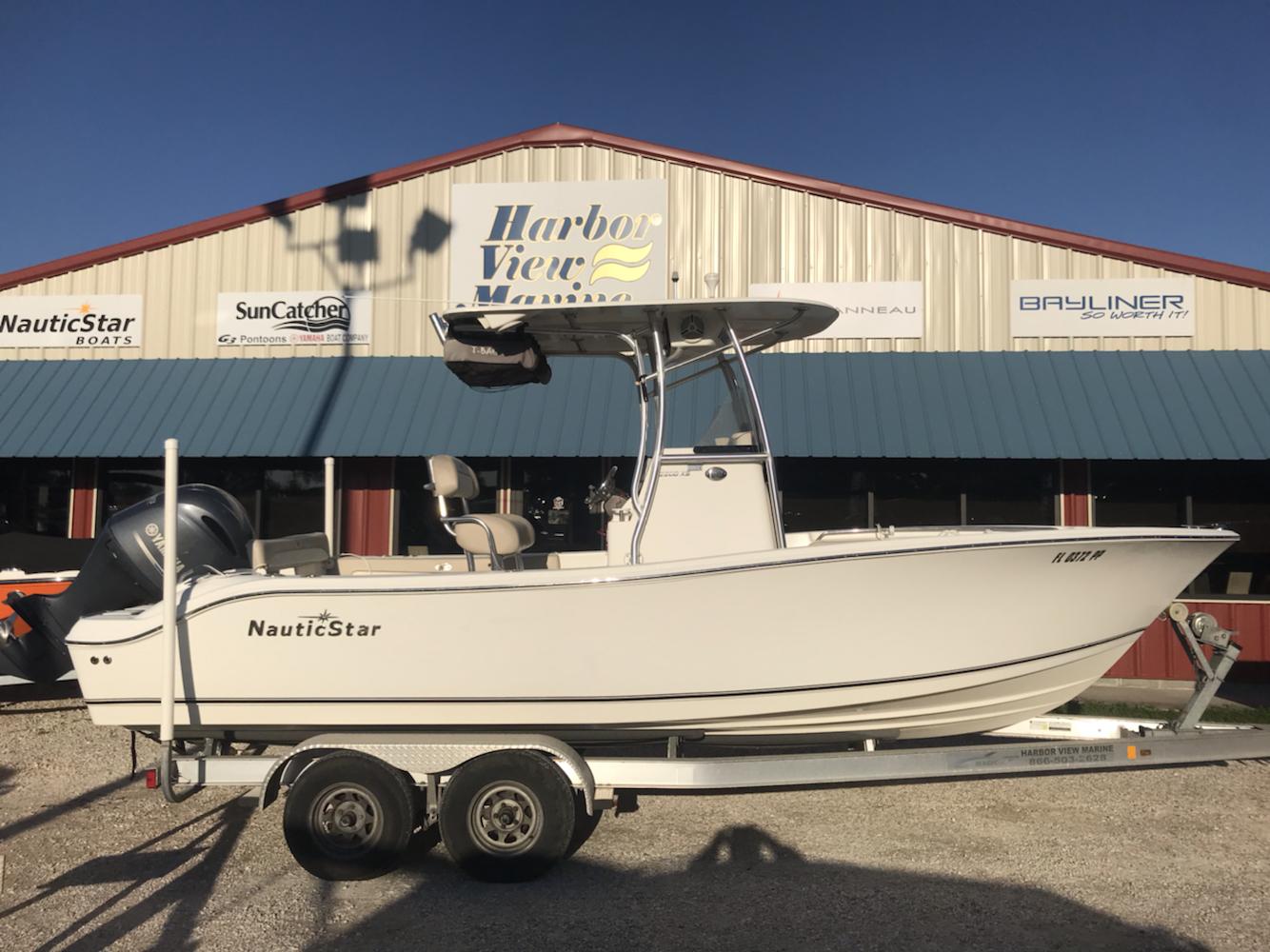 NauticStar XS Series Boat 2200 XS