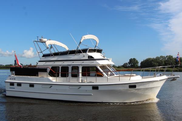 AMS Marine Trawler 420