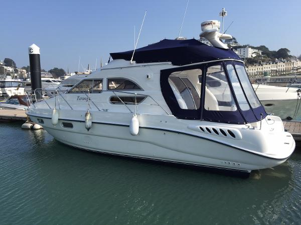 Sealine F33 Flybridge