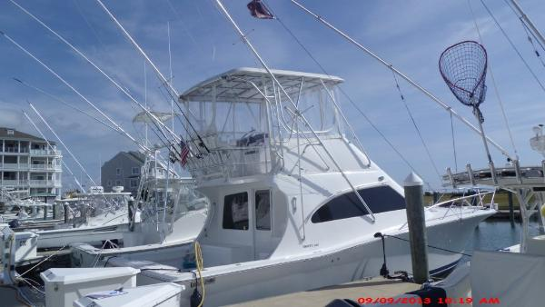 Luhrs 36 Convertible Profile