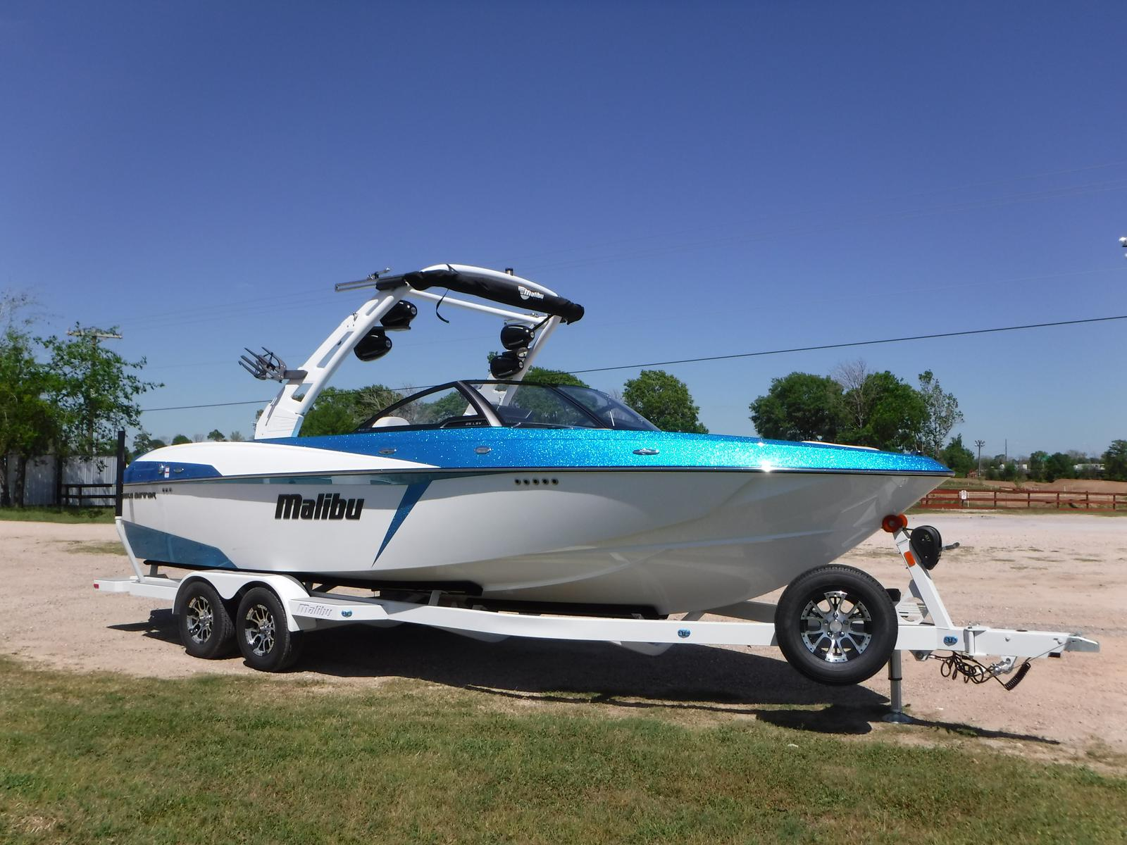 Malibu Boats LLC Wakesetter 25 LSV / DEMO REBATES AV