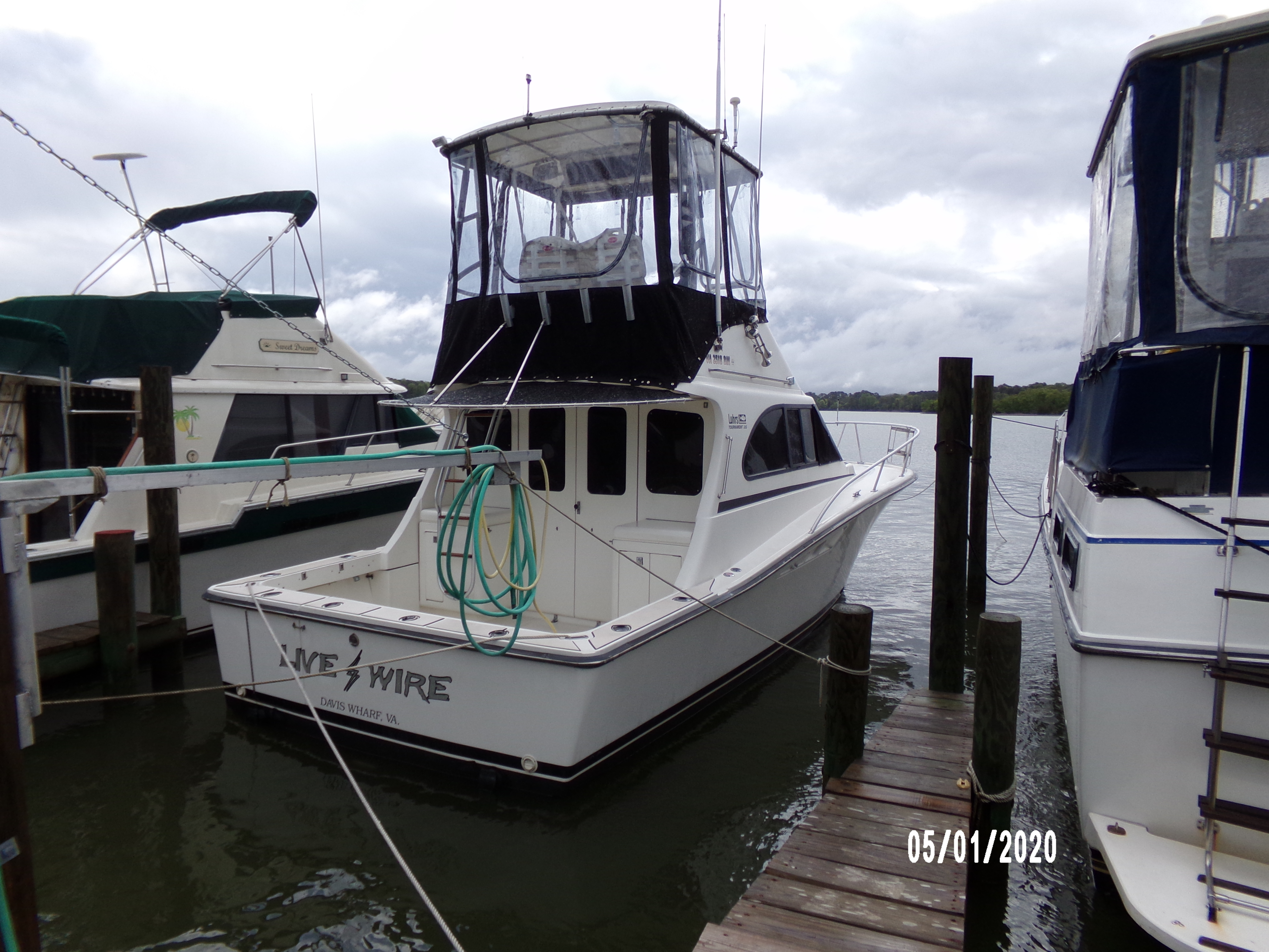 Luhrs 320 LIVEWIREFIRST