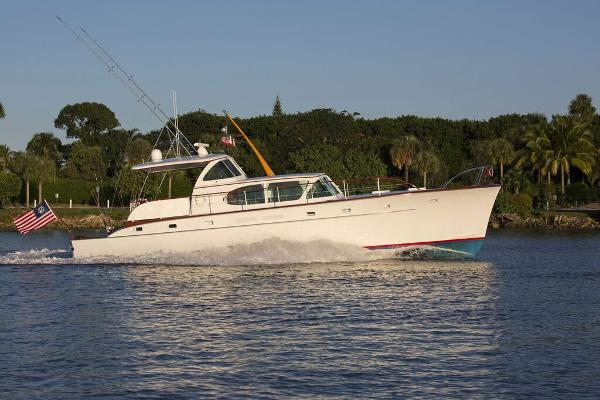 Rybovich Yachtfish Profile-Running Shot