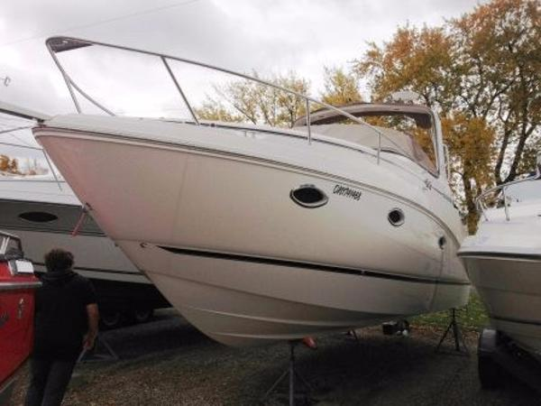 Rinker 280 Express Cruiser Hull Outside
