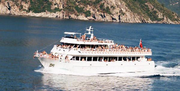 ron-ka yachting co. ltd Passenger Vessel DAILY EXCURSION BOAT On the water