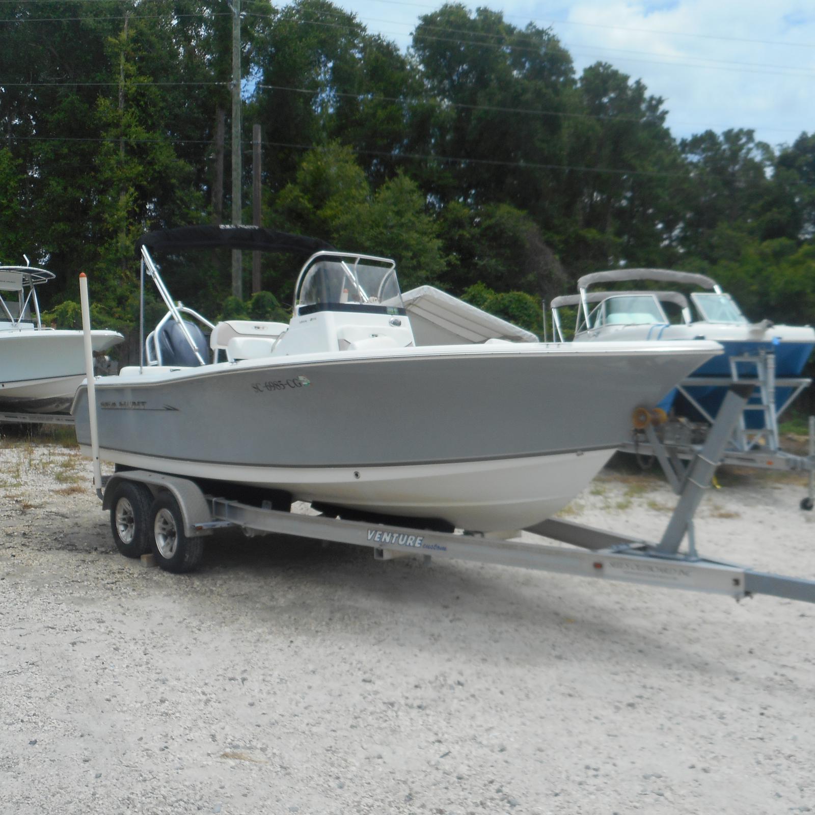 Sea Hunt Ultra Series 211