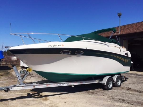 Crownline 242 CR Boat & Trailer