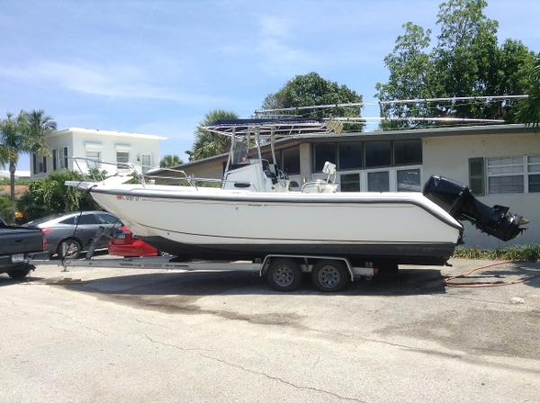 Boston Whaler 26 Outrage Boston Whaler 26 Outrage