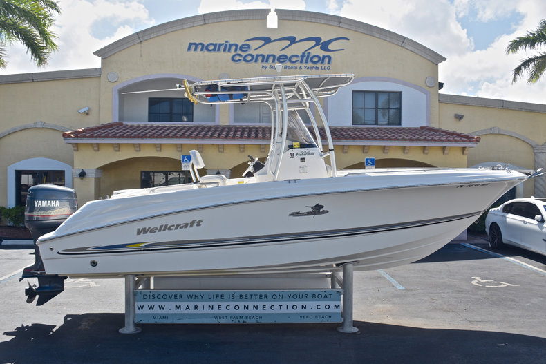 Wellcraft 232 Fisherman Center Console