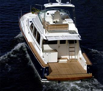 Gorgeous Lines With Transom Down