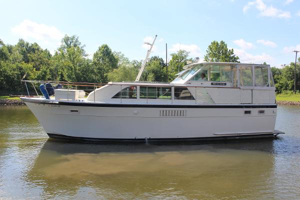 Hatteras 43 Double Cabin Motoryacht