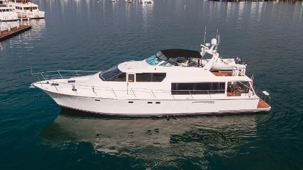 Pacific Mariner 65 Motoryacht profile