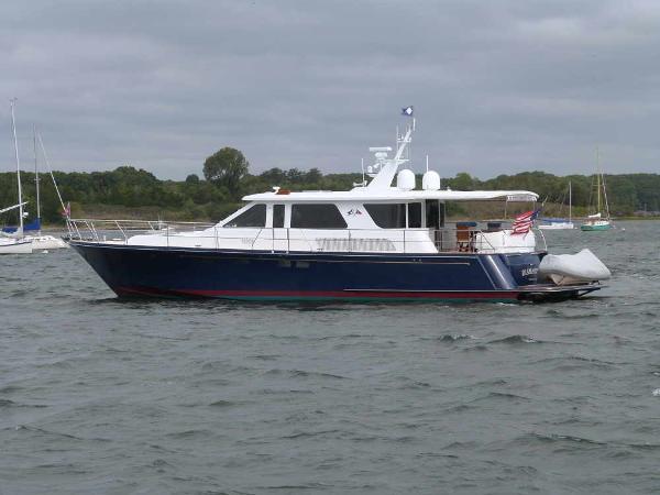Hunt Yachts 68 Hunt Profile
