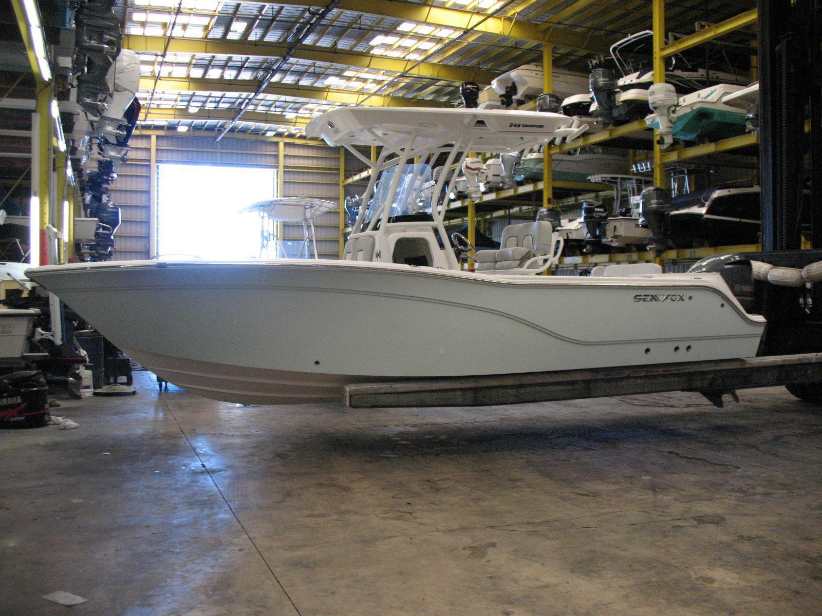 Sea Fox 248 Commander