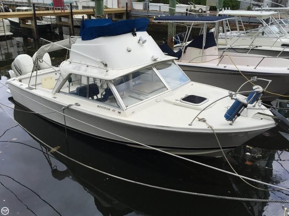 Bertram 25 SF Flybridge 1969 Bertram 25 SF Flybridge for sale in Miami, FL