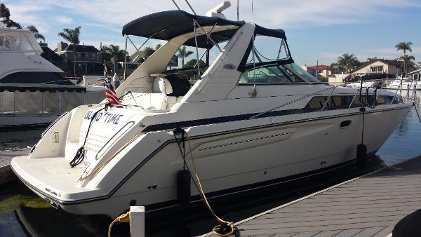 Bayliner 3685 Avanti Sunbridge Starboard Side Profile
