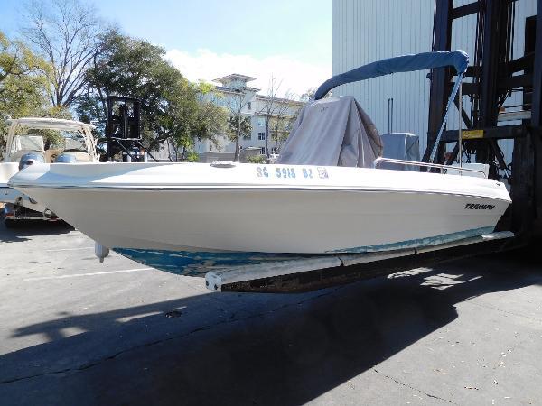 Triumph 190 Bay