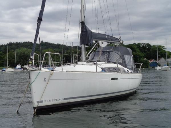 Beneteau Oceanis 31 Beneteau Oceanis 31 - Cloud Skipper