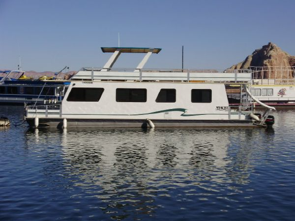 M Yacht Multi Owner Houseboat